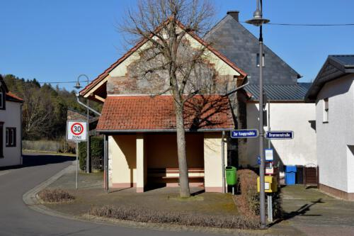 Buswartehalle